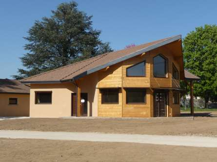 Maisons bois construction en is re 38 construire sa for Construire sa maison en bois